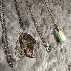 Set of 2 - Feather Necklaces